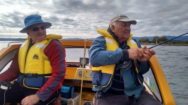 Paul Brennan observes Gary Brown playing a fishIMG_20180319_095308729_HDR (002)