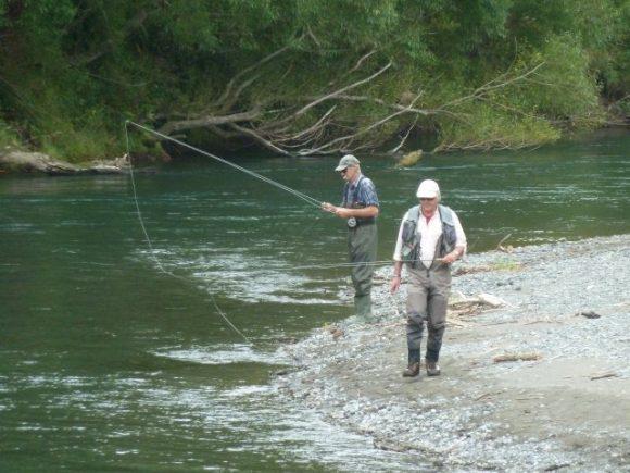 062 Anglers at Smallmans Bend Right bank